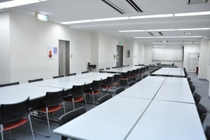 NATULUCK中目黒駅前店 : 会議室の会場写真