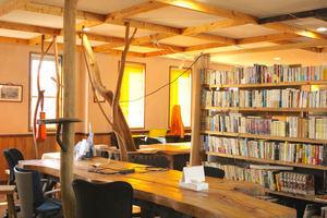 コワーキングスペース Somethin' Else 貸会議室 : 会議室の会場写真