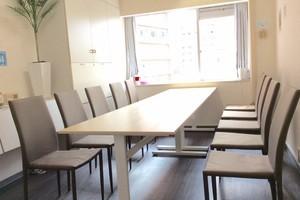 新宿・代々木エリア シンプルモダンな会議室 打ち合わせ・オフ会におススメ!の写真