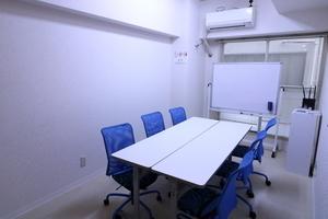 桜木町駅 徒歩1分 貸し会議室( 格安 清潔 静か 完全個室 買物便利 )の写真