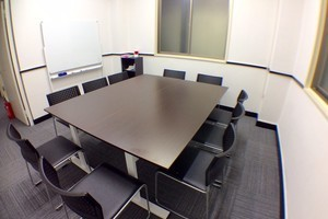【NEW OPEN!!】新橋駅SL広場から徒歩3分 セミナー・会議におススメ! RAKUNA新橋Ⅱ (B号室) 予約についての写真