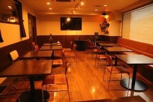 シェアオフィス&カフェバー Carroll Gardens : テーブル席(4名様用)の会場写真