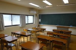 学習塾用の教室をご利用いただけます。劇団の練習、勉強会、会議などにご利用ください。の写真