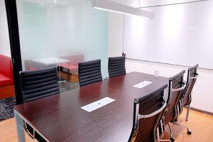 秋葉原駅前会議室 : ミーティングルームBの会場写真