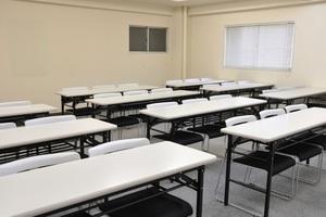神田駅チカ!8月オープンの27名フレキシブル会議室の写真