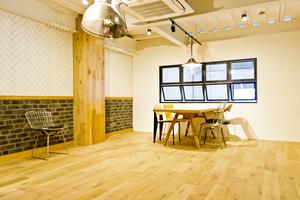 Standard Co.,Ltd.  : Standard Co.,Ltd. 2階 オフィス併設のショールームの会場写真