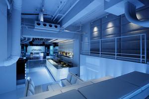 4m×2mの巨大LEDビジョンが3面に展開するイベントスペース!の写真