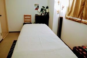レンタルサロン「AU」 : ベッド付き個室サロンルームの会場写真