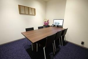 【市ヶ谷駅徒歩3分】6人用個室会議室の写真