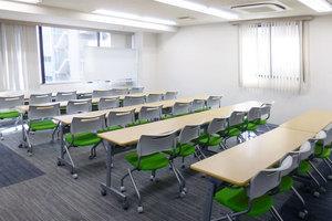 【神田駅5分】清潔感のある中会議室の写真