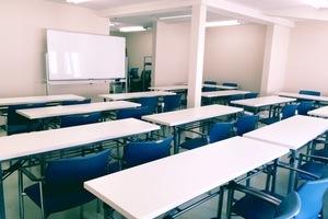 謎屋珈琲店2階レンタルスペース : 謎屋珈琲店2階多目的スペースの会場写真