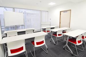 リファレンスリバーサイド貸会議室 : 会議室R-3 4部の会場写真