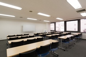 リファレンス 小倉魚町貸会議室 : 会議室405 1部の会場写真