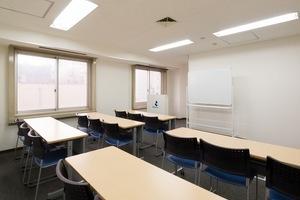 リファレンス 小倉魚町貸会議室 : 会議室407 1部の会場写真