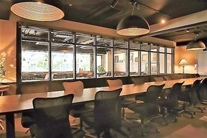 新橋コワーキングスペース Basis Point : 10名用会議室 (Room B)の会場写真
