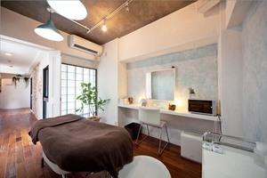シェアサロンLaCuza心斎橋(女性専用) : RoomB(奥側・専用個室)の会場写真
