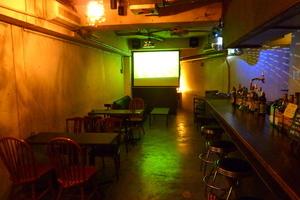 Cafe Bar LIVRE : フロア・キッチン貸切の会場写真