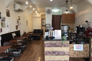 cafe 繋 + : 憩いのフリースペースの会場写真