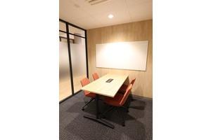 fabbit広島駅前 : ミーティングルーム・4名用(椅子席)の会場写真