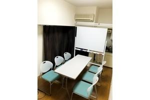 新宿南口会議室 : ドリンクサービス有!!新宿南口スペース の会場写真
