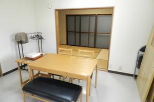 豊中レンタルスペース「Umidass」 : 和室・テーブルセットの会場写真