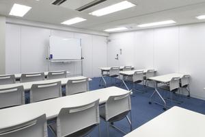 【20名収容可能】錦糸町駅 北口徒歩4分。リーズナブルな少人数貸会議室 の写真