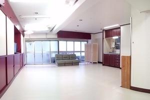 京都市中京区の至便のロケーション。広いスペースで自由なレイアウトで使用可能な一室の貸しスペースです。の写真