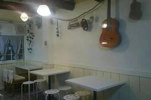 京橋レンタルキッチン『Alulu/アルル』 : 【キッチン付き貸出スペースAlulu】パーティースペースの会場写真