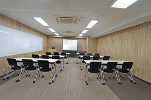 【長堀橋駅から徒歩1分の至便な立地】会議、面接、セミナーに最適です。の写真