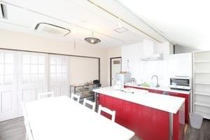 用賀駅徒歩3分!施設充実、カフェスペースも利用可能なキッチンスタジオの写真