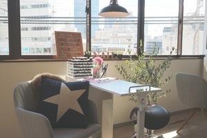 NAIL CAFE 神戸三宮店 : ハンドネイル施術スペースの会場写真