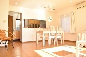 都心から30分の自然の光溢れる ハウススタジオ キッチン付きの写真