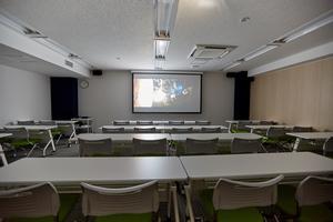 京急第10ビル3階  : セミナーC 会議室の会場写真