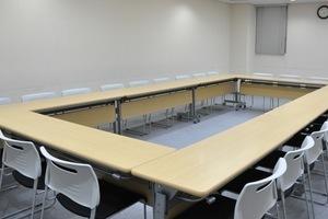 Natuluck赤坂 : 中会議室(5階)の会場写真