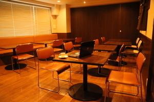 シェアオフィス&カフェバー Carroll Gardens : ミーティングルーム(中)の会場写真