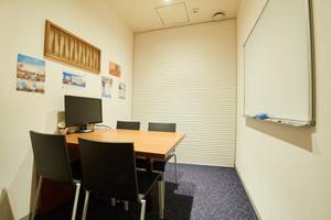 【市ヶ谷駅徒歩3分】4人用個室会議室の写真