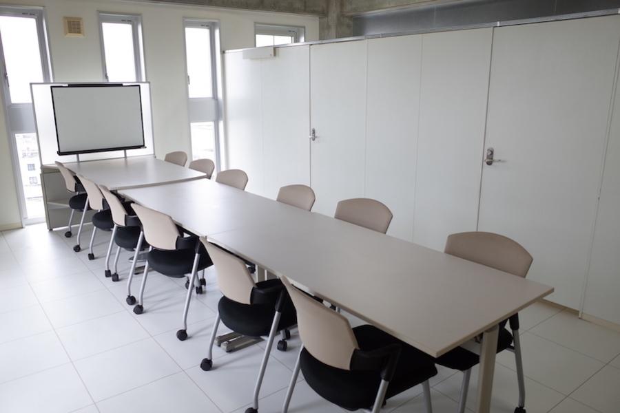別府レンタル会議室 : 8F会議室の会場写真