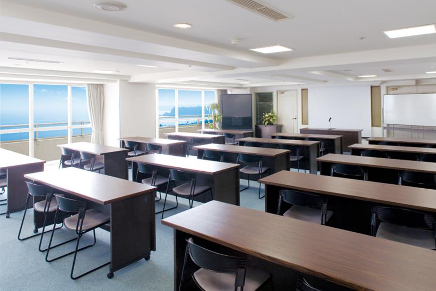 多目的スペース「マホロバ・マインズ三浦」 : 会議室A-4の会場写真