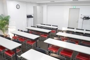 【市ヶ谷】白を基調とした落ち着いた貸会議室の写真