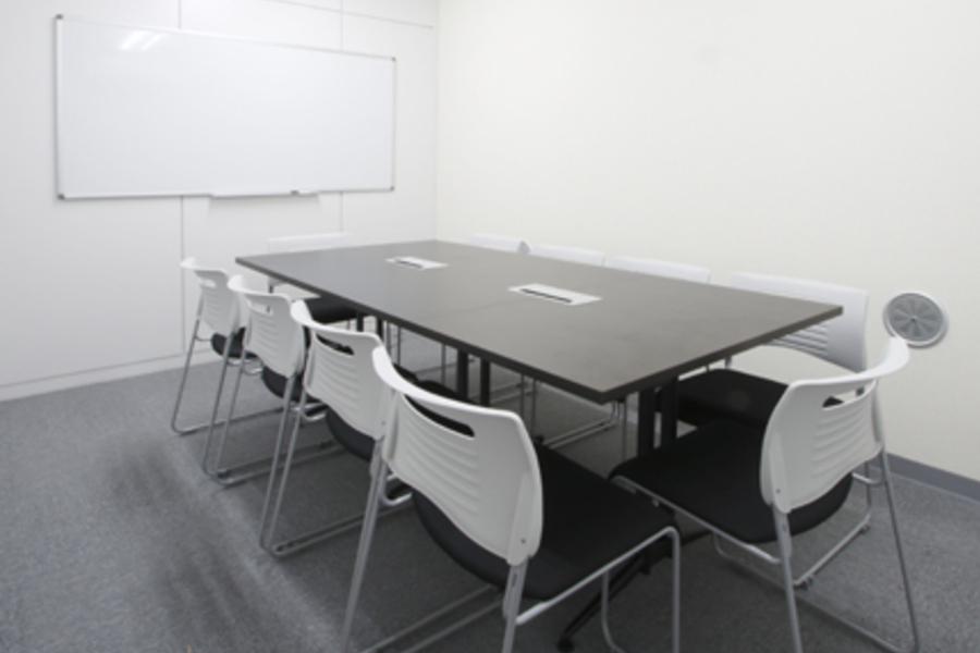 貸し会議室ROOMs(ルームス)水道橋店 : 第3会議室の会場写真