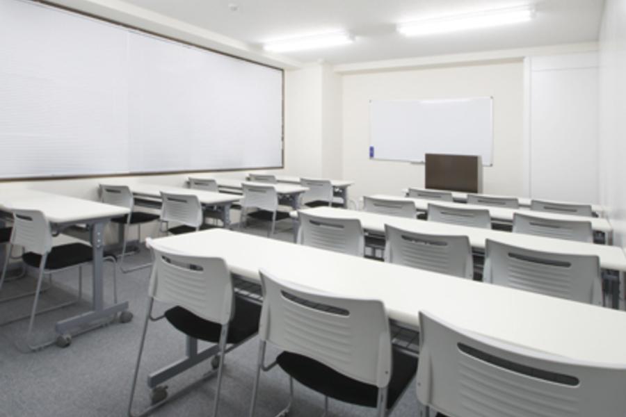 貸し会議室ROOMs(ルームス)水道橋店 : 第4会議室の会場写真