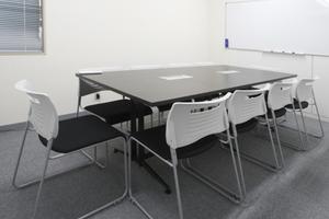 貸し会議室ROOMs(ルームス)水道橋店 : 第5会議室の会場写真