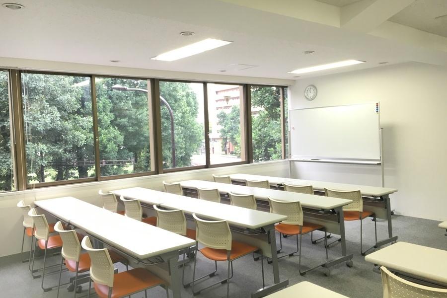 【アットビジネスセンター】シェア会議室 青山一丁目 : 301号室の会場写真