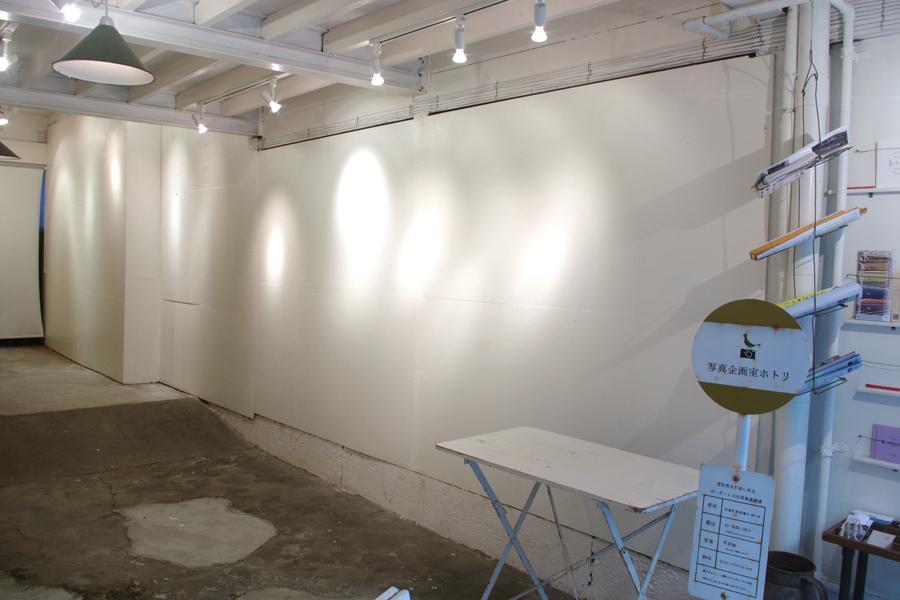 写真企画室ホトリ : 1階スペースの会場写真