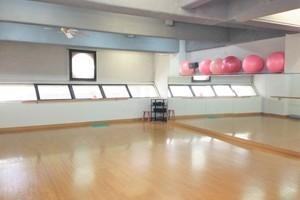 地下鉄鶴舞線浄心駅より徒歩1分。ダンススタジオ利用可。の写真