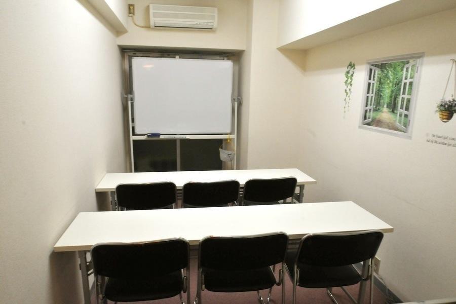 西新宿レンタル会議室「SunnyHouse」 : 個室レンタル会議室の会場写真