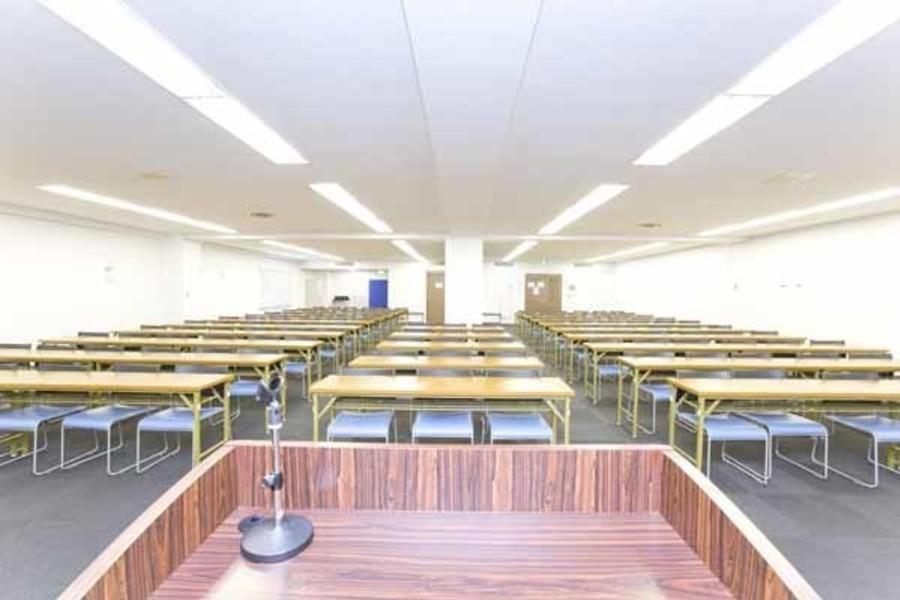 ハロー貸会議室 大宮東口 : 会議室(40名ご利用可能プラン)の会場写真