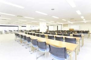 西新宿エリアで100名以上収容可能!セミナー等におすすめの貸し会議室の写真
