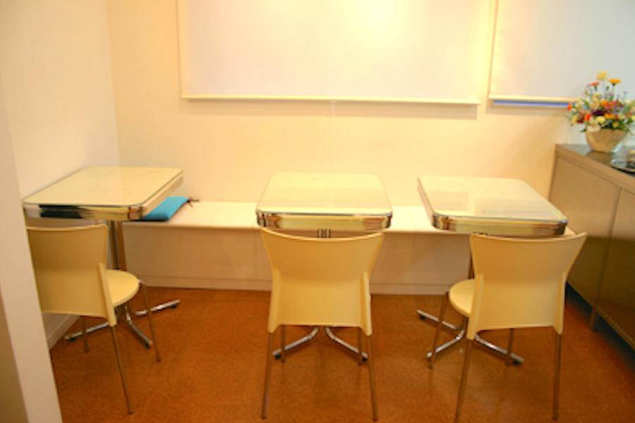 駒込レンタルスタジオ「La Grotte」 : 2階レンタルスペース(キッチンなし)の会場写真