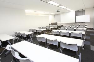 全特六本木ビル: セミナールームAの会場写真